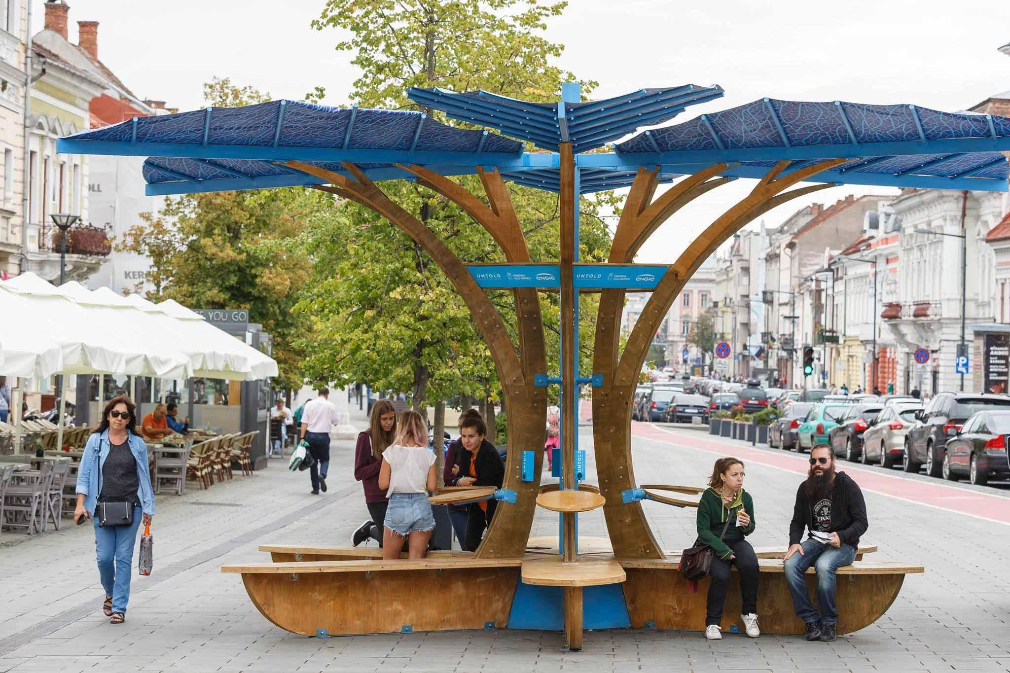 încărcătoare solare urbane pentru dispozitive mobile